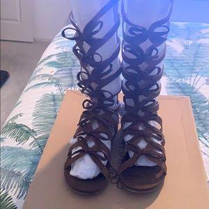 aca2a6e7f7f7 Joyfolie size 12 gladiator sandals